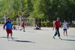 Jugando al fútbol sala